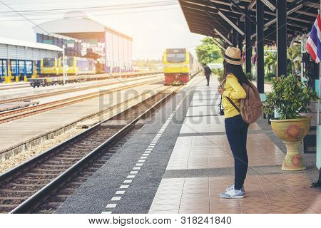 Cheap Travel And Lifestyle Concept.holiday Time,young Traveler Woman Wearing Sneaker And Standing At