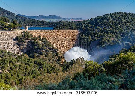 Lake Embalse Del Guadalhorce, Ardales Reservoir, Malaga, Andalusia, Spain