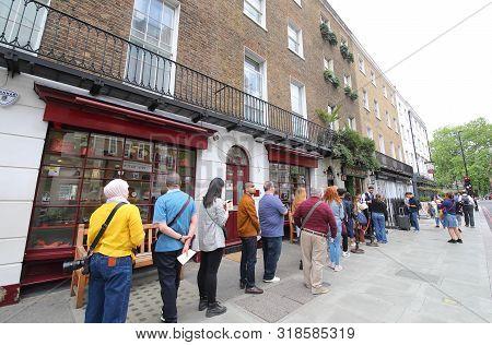 London England - June 3, 2019: Unidentified People Queue At Sherlock Holmes Museum London Uk.