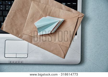 Sending E-mails And E-commerce Business. Email Marketing Or Advertising: Paper Airplanes, Envelopes