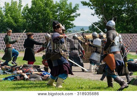 Tara, Omsk Region, Russia, July 27, 2019. Demonstration Of The Conquest Of The Siberian Khanate By R