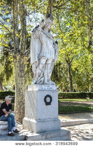 Madrid-september, 13,2017: Statue King Of The Visigothis Visigothic Kingdom Vamba In Madrid-on Septe