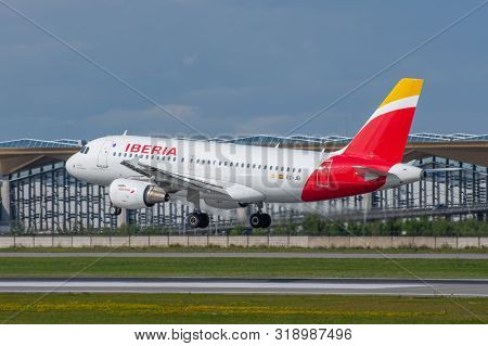 Airbus A319 Iberia Airlines, Airport Pulkovo, Russia Saint-petersburg. 10 August 2019