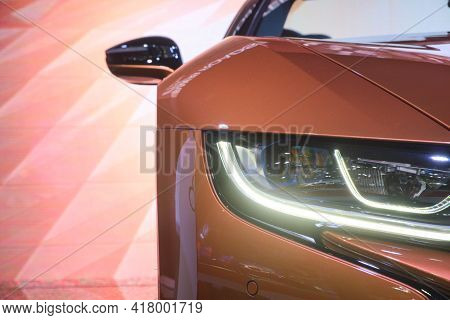 Nonthaburi-thailand 3 Apr 2019: Close-up Headlight Of Bmw I8 Roadster Show On Display At The 40th Ba