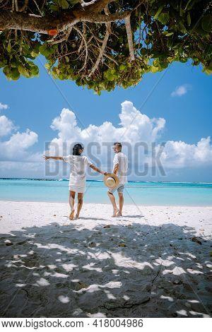 Amazing Baby Beach And Coast On Aruba, Caribbean, White Beach With Blue Ocean Tropical Beach. Couple