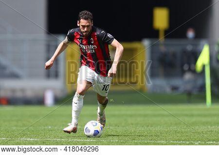 Milano, Italy. 18th April 2021. Hakan Calhanoglu Of Ac Milan  During The Serie A Match Between Ac Mi