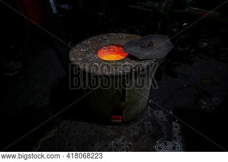 Production Of Aluminum From Waste At Outdated Foundry. Technologies Of 20th Century And Ideas Of Zer