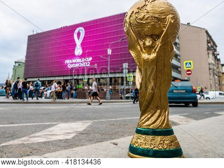 4 September 2019, Moscow, Copy Of World Cup Trophy On Background Logo Of The Fifa World Cup 2022, Wh