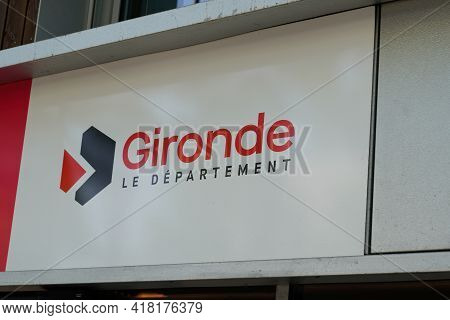 Bordeaux , Aquitaine France - 04 22 2021 : Gironde Department Text And Sign Logo Of French Southwest