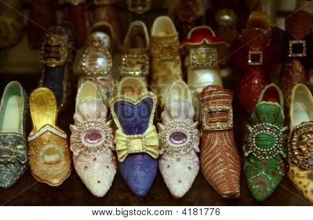 The Beautiful French Ladies Souvenir Brocade Shoes