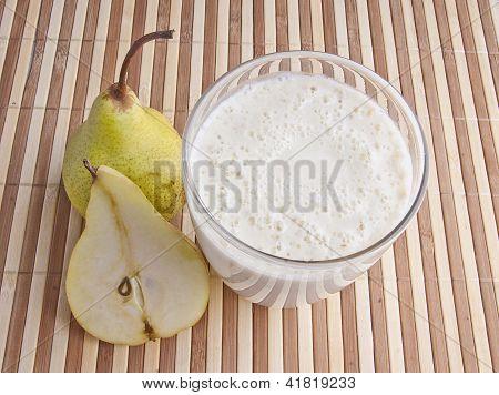 Fragrant Fresh Pear Smoothie