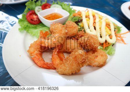 Deep Fried Shrimp, Fried Shrimp Or Shrimp Salad For Serve