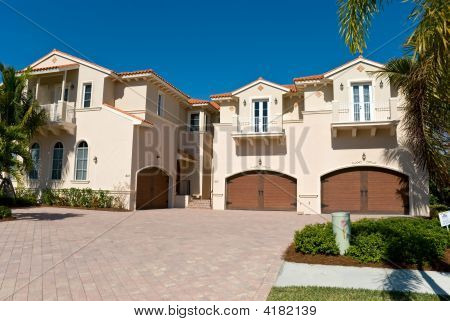 Residential House In Naples - Southwest Florida On A Sunny Day