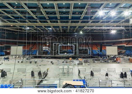 MOSCOW - DEC 18: Workers dismantle stage and stage equipment after music festival Legends of Retro FM at Sports Complex Olimpiyskiy, Dec 18, 2011, Moscow, Russia.