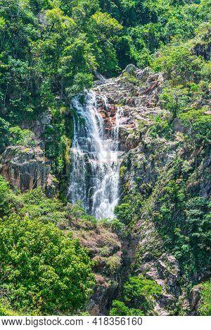 São Roque De Minas - Mg, Brazil - December 15, 2020: View Of Capão Forro Waterfall At The Capão Forr