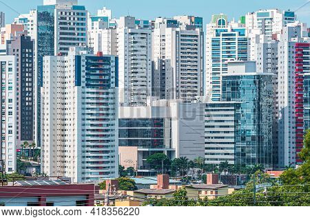 Londrina - Pr, Brazil - December 19, 2020: View Of Gleba Palhano Neighborhood At Londrina City, Pr,
