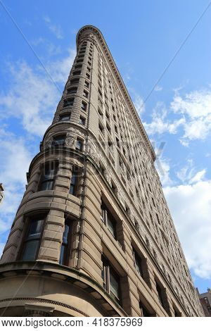 New York, Usa - July 3, 2013: Flatiron Building In New York. Flatiron Is One Of The Most Recognizabl