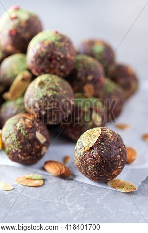 Healthy Homemade Paleo, Hight Protein Chocolate Energy Balls With Rolled Oats, Nuts, Dates And Almon