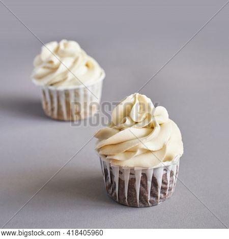 Milky Cream Cupcake. Birthday Sweet Bakery. Cookies. Yummy Buttercream Dessert. Wedding Party Food.