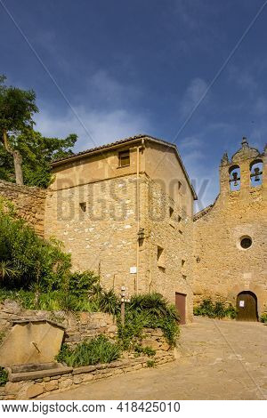 Foradada, Spain, May 1, 2020 - Castle Of Montsonis In Lleida Province, Catalonia. Old Medieval Archi