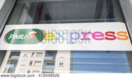 Bordeaux , Aquitaine France - 04 22 2021 : Pmu Express Logo And Text Sign Front Of Store Of French H