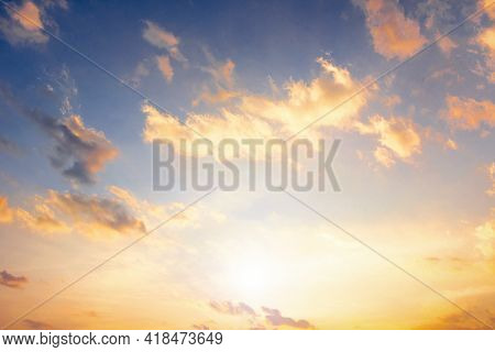 Colorful Cloudy Sky At Sunset , Quiet Sunset Background