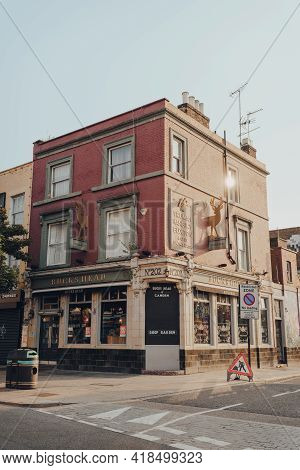 London, Uk - August 12, 2020: Facade Of The Closed Bucks Head Pub On High Street In Camden Town, Lon