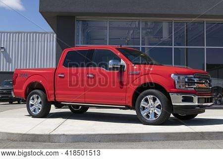 Plainfield - Circa April 2021: Ford F150 Display At A Dealership. The Ford F-150 Is Available In Xl,