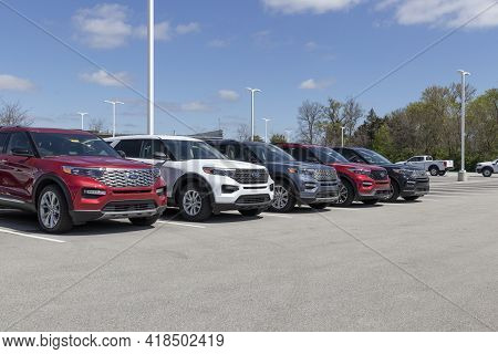Plainfield - Circa April 2021: Ford Explorer Display At A Dealership. Ford Offers The Explorer In A