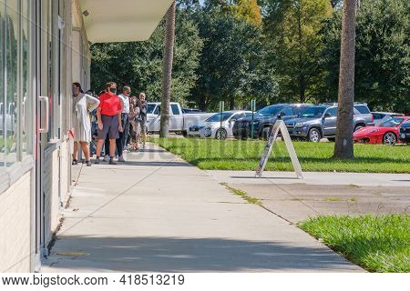 New Orleans, La - October 17: Front Of Line For Voting At Lake Vista Polling Place On October 17, 20