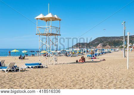 Alanya, Turkey - October 23, 2020: Rescue Tower At Kleopatra Beach In Alanya. Beautiful Tropical Lan