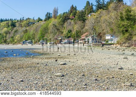 A View Of Waterfront Homes In Des Moines, Washington.