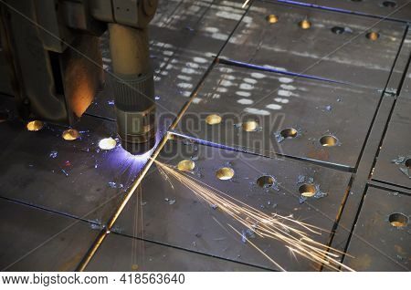 Metal Cutting. Technological Process Of Cutting Sheet Metal With A Plasma Cutting Machine With Numer