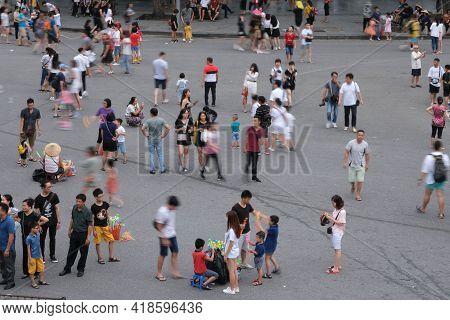Hanoi,vietnam 09 2020:crowd Of Anonymous People Walking, Playing Onthe Playground In The Street C