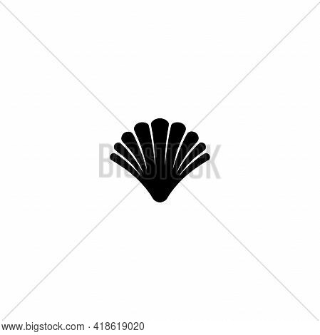 Sea Shell Line Icon Isolated On White. Shellfish Illustration. Beauty And Luxury Spa Concept. Seafoo