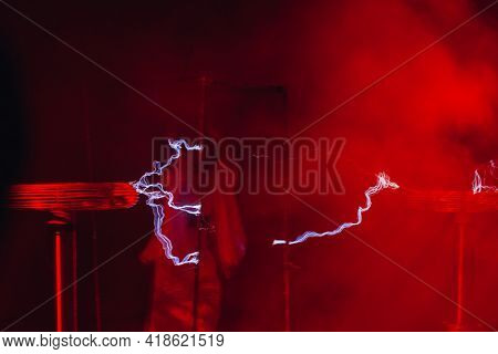 lightnings of tesla coil in action