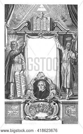 Title page for a bible in the Luther translation. In the center a portrait of Luther. On either side of the title Moses and John the Baptist.