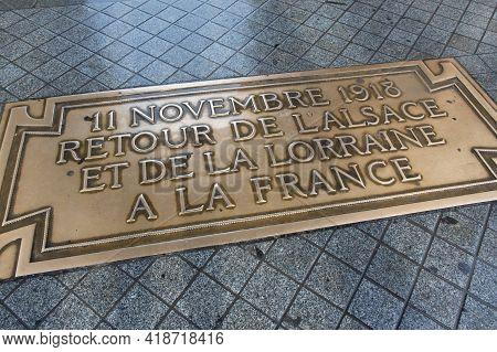 Paris, France, 1.11.2019 - Arc De Triomphe Commemorative Bronze Plaque Ending Ww I. Monument Commemo