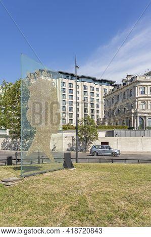 July 2020. London. 1 Million Queen Sculpture By Matt Marga, London, England