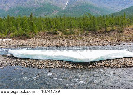 Snow And Ice On The River Hoisey. Putorana Plateau, Taimyr, Russia