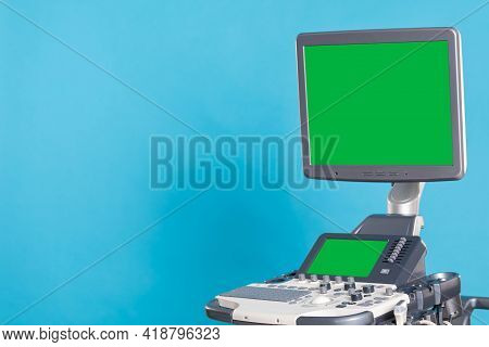 An Ultrasound Machine For Imaging And Examination Of The Soft Tissues Of The Human Body. Green Scree