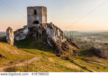 Ruins Of Medieval Royal Castle On The Limestone Rocks, Olsztyn Poland. Krakow-czestochowa Upland, Th