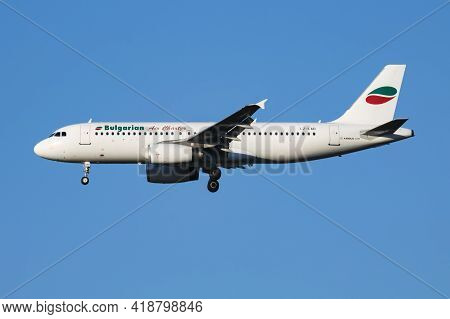 Vienna, Austria - July 7, 2018: Bulgarian Air Charter Airbus A320 Lz-lad Passenger Plane Arrival And