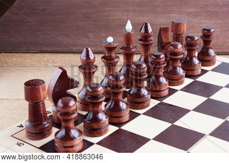 Black Chess Pieces Are Placed On The Chessboard To Start The Game, Educational Chess, Selective Focu