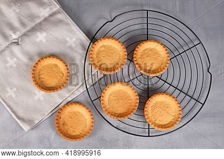 Homemade Small Tartlet Pastry Crusts Without Filling