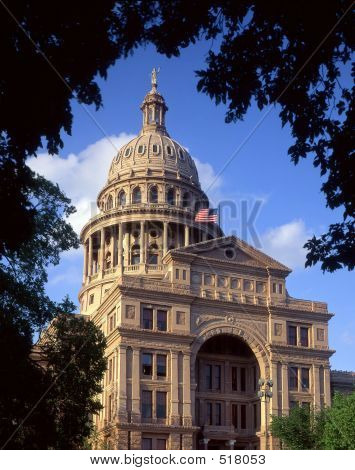 Texas State Capitol (daytime)