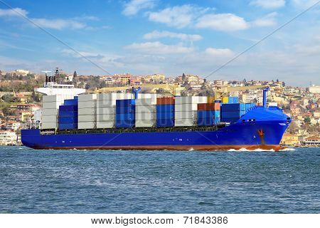 Container Ship on its way