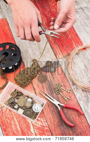craft jewellery background