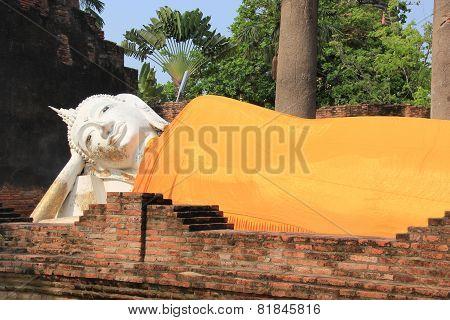 Ancient Reclining Buddha At Watyaichaimongkol Temple