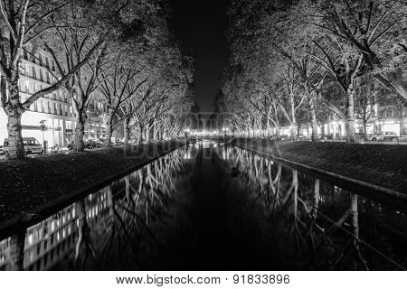 DUSSELDORF, GERMANY - SEPTEMBER 16, 2014: Dusseldorf at night. Dusseldorf is the capital city of the German state of North Rhine-Westphalia and centre of the Rhine-Ruhr metropolitan region.